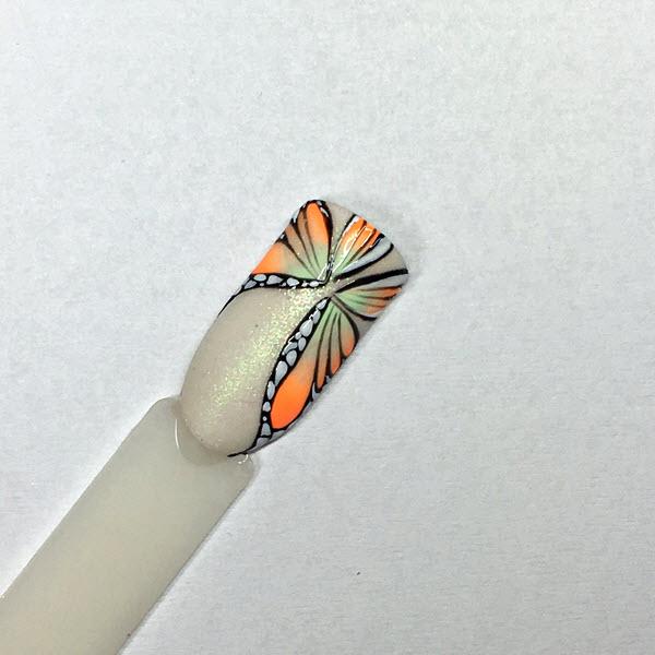 Motýlikový nail art Ruscona